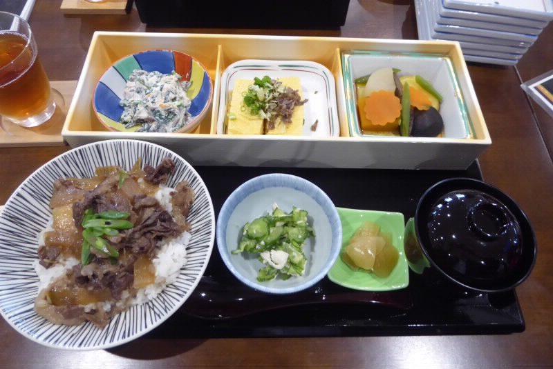 三笠高校生レストランの弁当写真